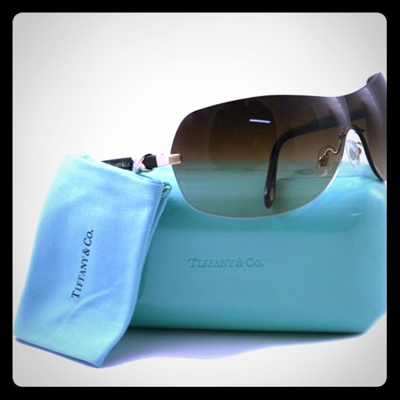22ab905ddfbe Tiffany   Co. sunglasses. M 5b0cb62f5521be60c70060d9. Other Accessories ...